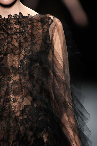 Valentino fall09.detail
