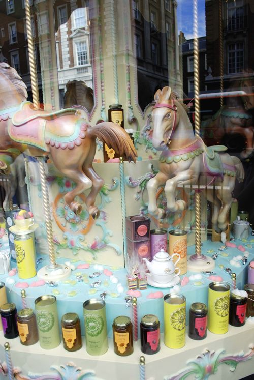 Fortnum&Mason Window 09 Carousel